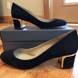 Ann Taylor Suede Black Pump 9 Gold Metal Heels NEW